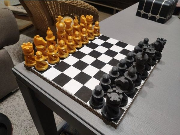 Elegant Spiral Chess Set
